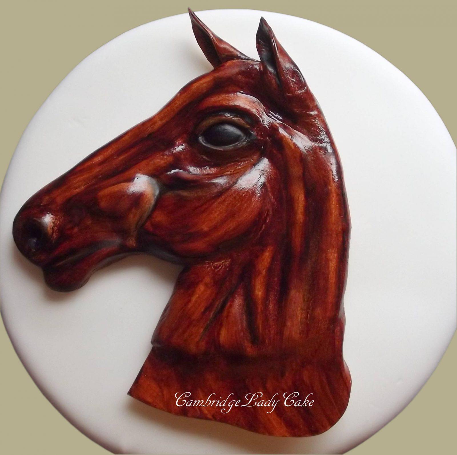 horse topper cupcake